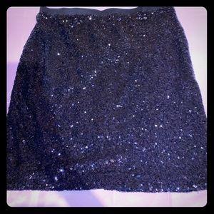 Limited black mini skirt
